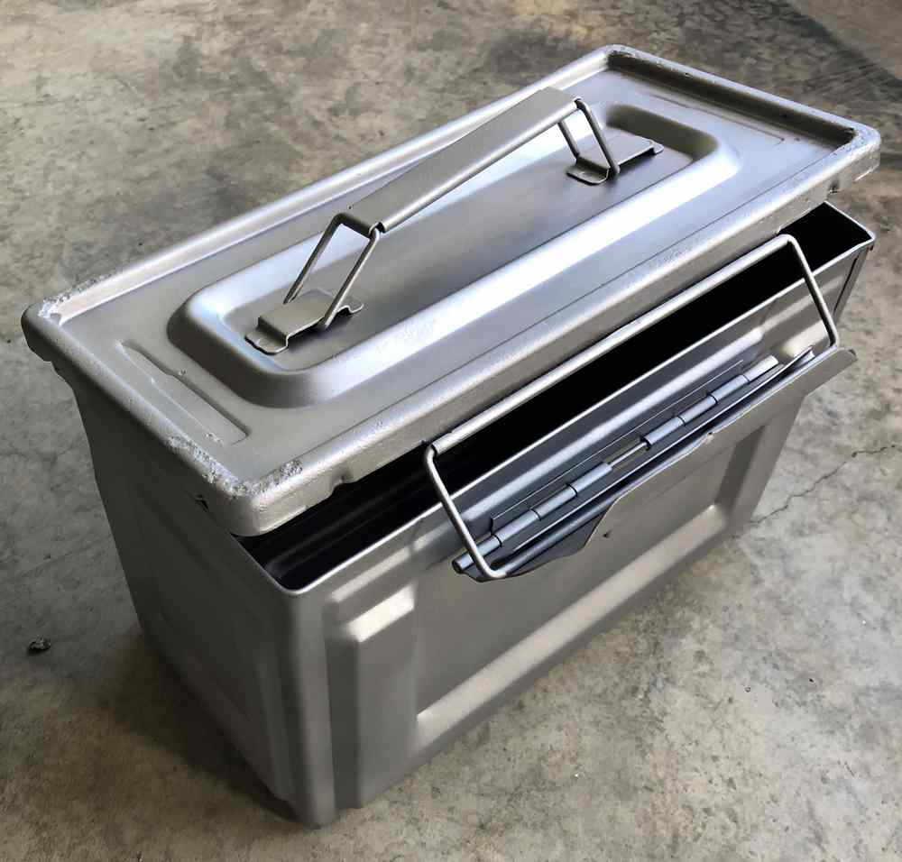 Boîte à munitions microbillée par aérogommage